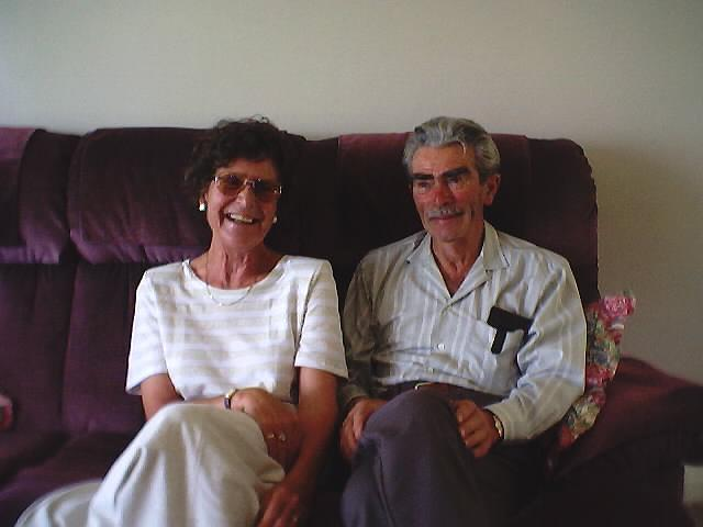 Cor and Bea Feb 3rd 2001.jpg (38394 bytes)
